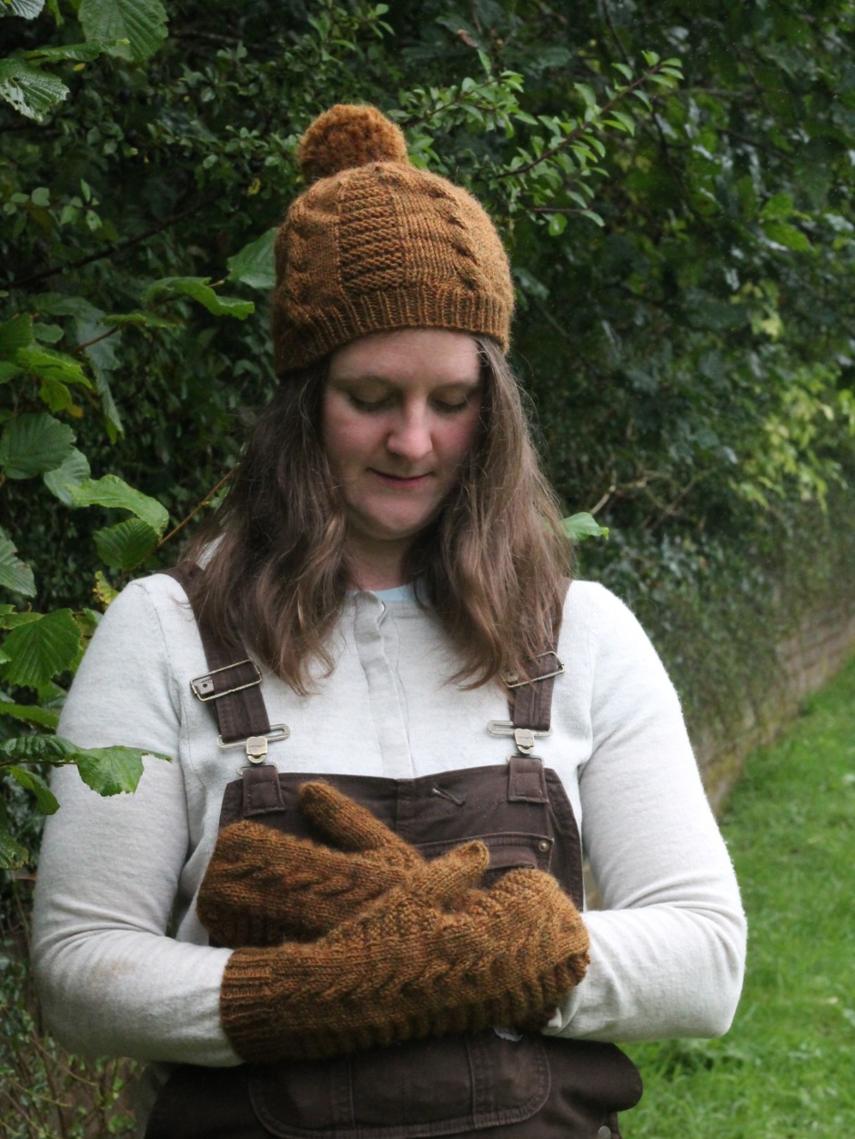 Snakes & Ladders Hat and Mitten Set - by Helena Timms