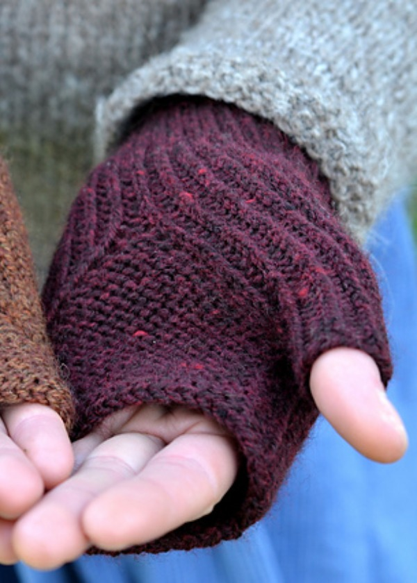 Toast and Jam Mitts - by Emily Foden