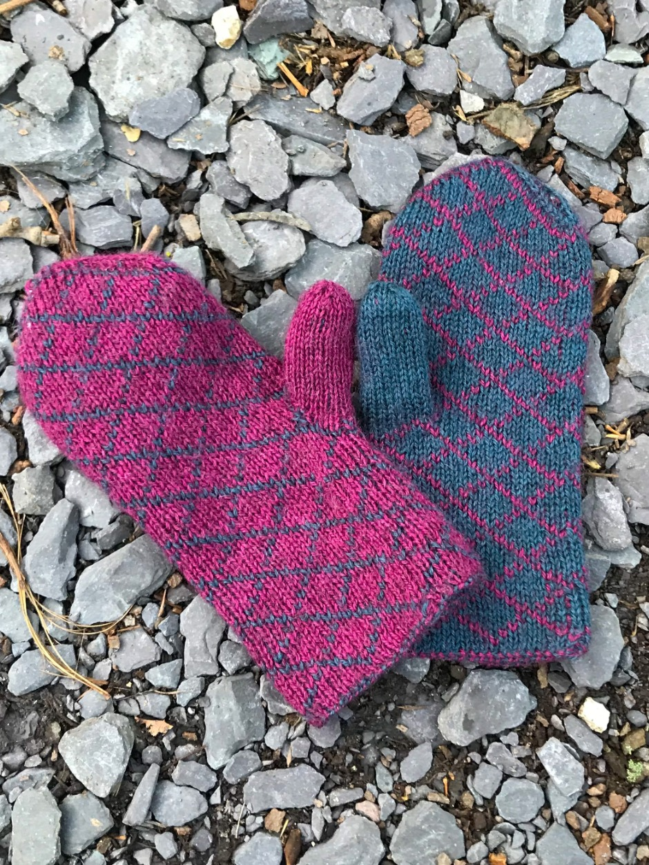 Quilted Mittens - by Helena Timms