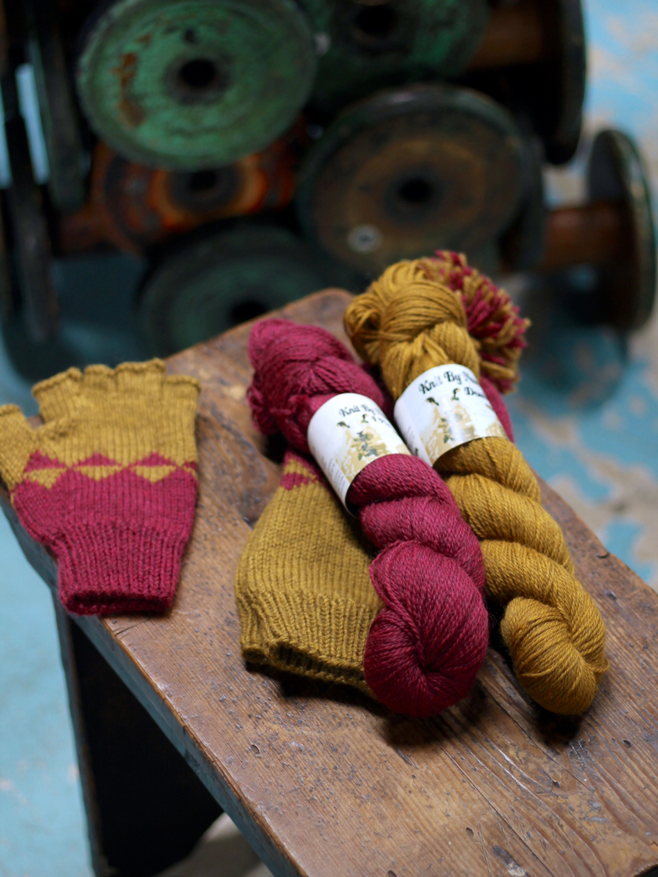 Rhubarb & Custard Hat and Mitten Set Kit