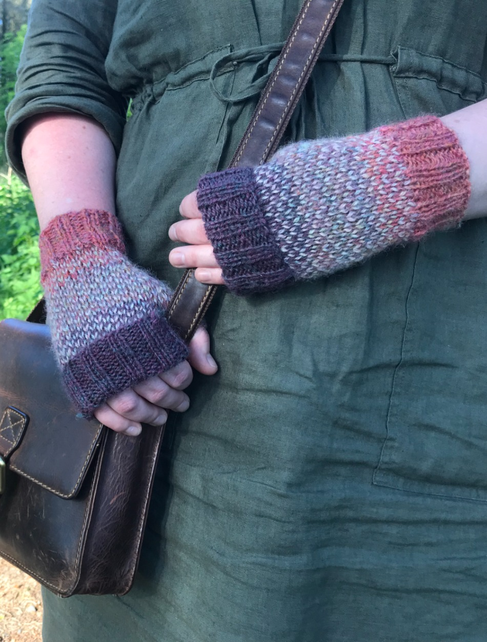 Apple Picking Mitts - by Helena Timms
